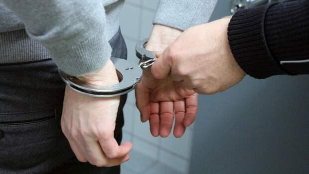 Наркодилера на Porsche задержали с 2 кг марихуаны в Петербурге