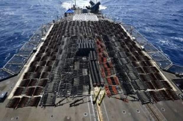 Военные США задержали судно с партией оружия китайского производства