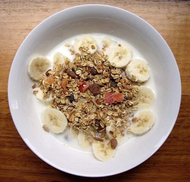 Врачи назвали популярный завтрак, повышающий уровень холестерина