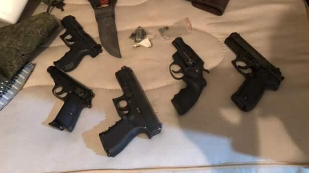 Сотрудники ФСБ нашли три мастерских поизготовлению оружия вРостовской области