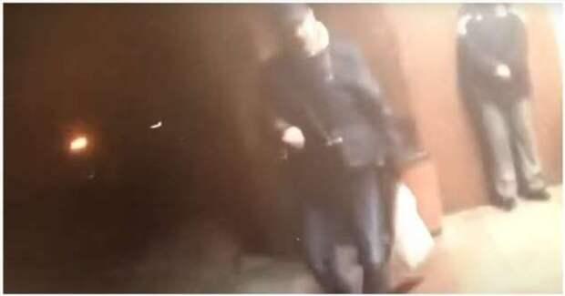 Минский милиционер прострелил ногу мужчине, напавшему с ножом на таксиста (1 фото + 1 видео)