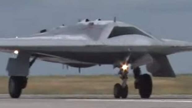 Минобороны показало первый полет «Охотника»