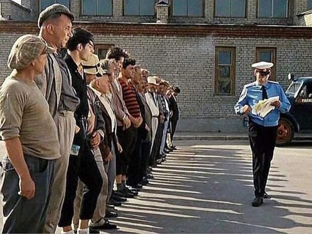 «Ну, граждане алкоголики, хулиганы, тунеядцы…»: методы исправления по-туркменски