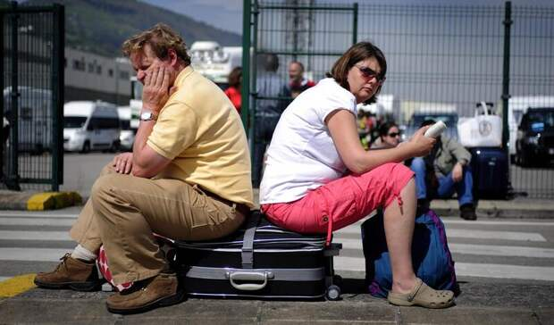В Госдуме предложили запретить гражданам выезд в другие страны