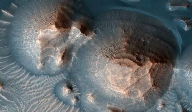 NASA обнаружило древние cледы тысячи мощных извержений вулканов на Марсе