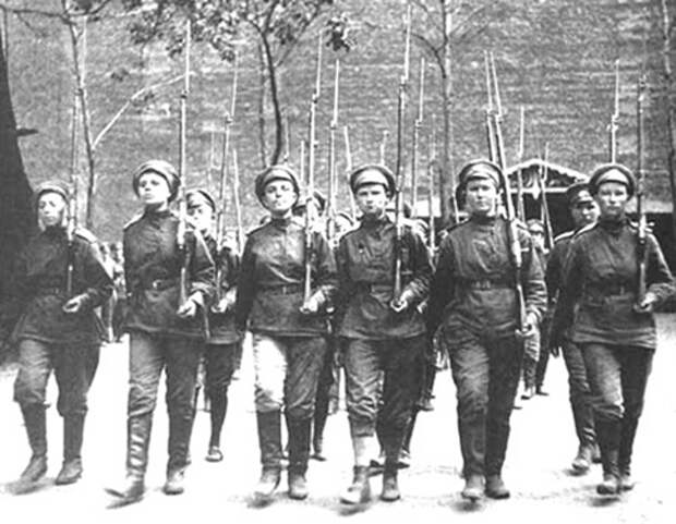 «Бочкареву Марию — расстрелять». Кто убил командира женского батальона?