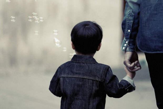 В Китае родители нашли похищенного 26 лет назад ребенка