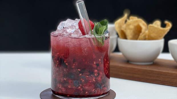 Рецепт дня: освежающий ягодный коктейль для летней вечеринки