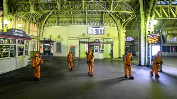 Коронавирусные ограничения в Петербурге продлили до середины июля