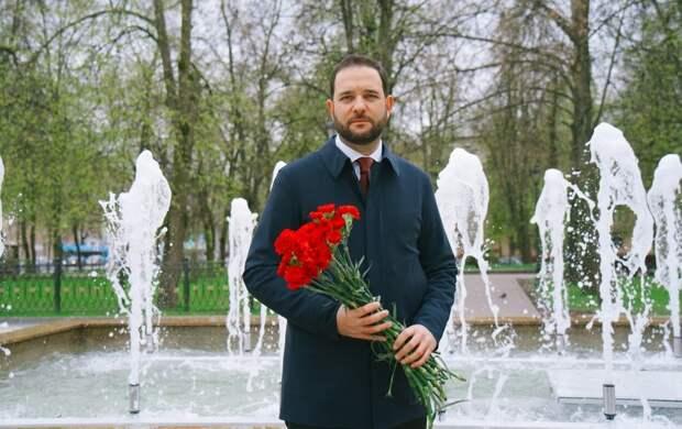 Ректор РХТУ Мажуга поздравил Героя Советского Союза Киртока с Днем Победы