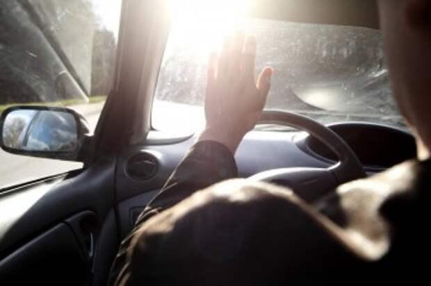 Ослепленная солнцем женщина-водитель погубила пешехода