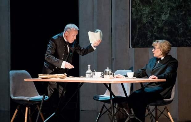 Без аплодисментов с марта: когда и какими спектаклями откроются театры Удмуртии
