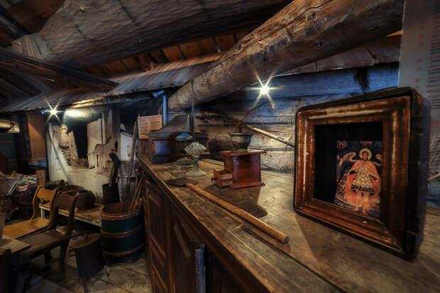 В местном музее можно ознакомиться с культурой и бытом Кенозерья.