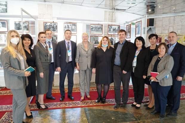 В симферопольском КИПУ открылась выставка «Гагарин и Куба»
