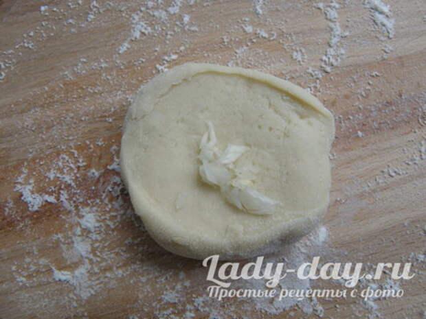 чеснок и тесто