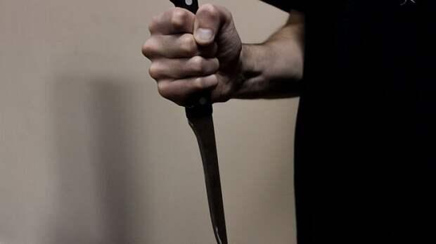 В Пермском крае школьник ударил ножом учительницу
