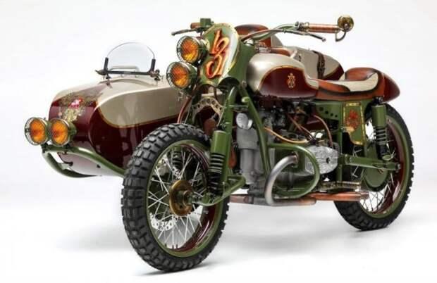Американцы сделали уникальный мотоцикл «Урал» с российским гербом (13