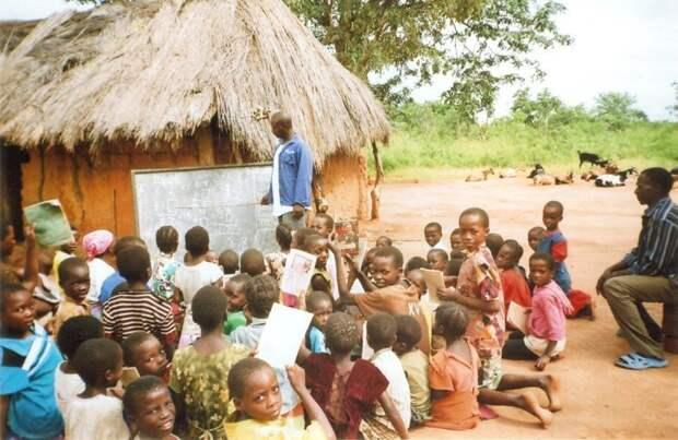 Эдакая «мобильная» школа, состоящая и учителя, учеников и доски прикол, школа, юмор