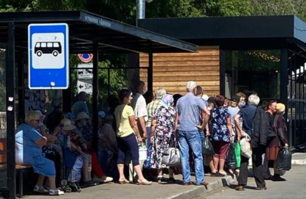Оренбуржцы давят друг надруга вавтобусах