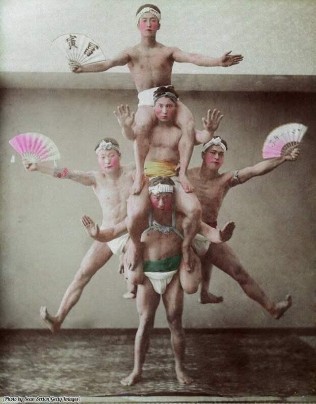 Японские театральные акробаты. Япония. Прибл. 1890 г. история, ретро, фото
