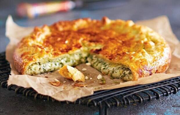 Вкуснейший пирог из слоёного теста с сулугуни и зеленью