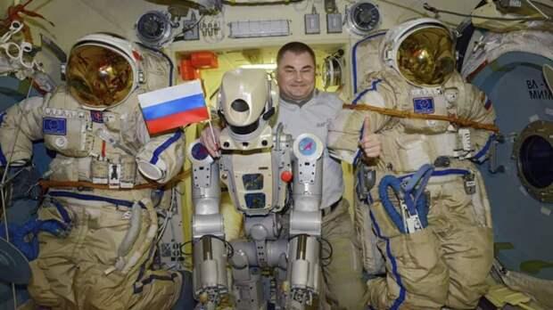 Космонавтам на МКС не сразу удалось включить робота FEDOR