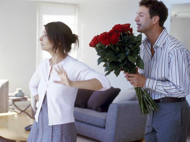 Основные критерии общения, по которым можно узнать, что ваша девушка вас не любит. Обьясняю на частных случаях.
