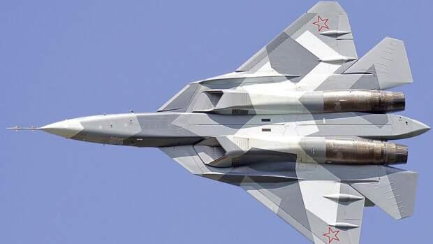 Полет российских Су-57 на параде в Москве вызвал бурное обсуждение среди американцев