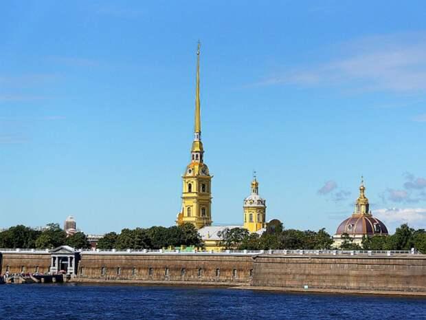 В Петербурге у Петропавловской крепости нашли утопленника