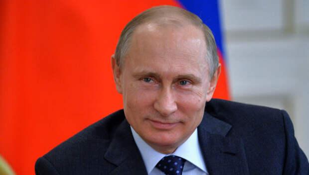 Путин остудил пыл ведущего и рассказал анекдот об израильском солдате