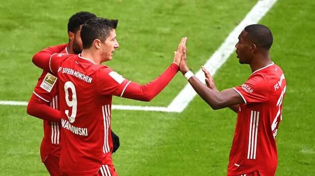 «Бавария», игравшая с 12-й минуты в меньшинстве, разгромила «Штутгарт» со счетом 4:0
