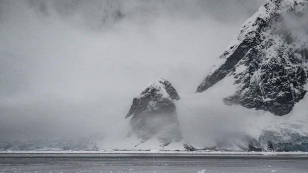 В Антарктиде опять появилась огромная полынья