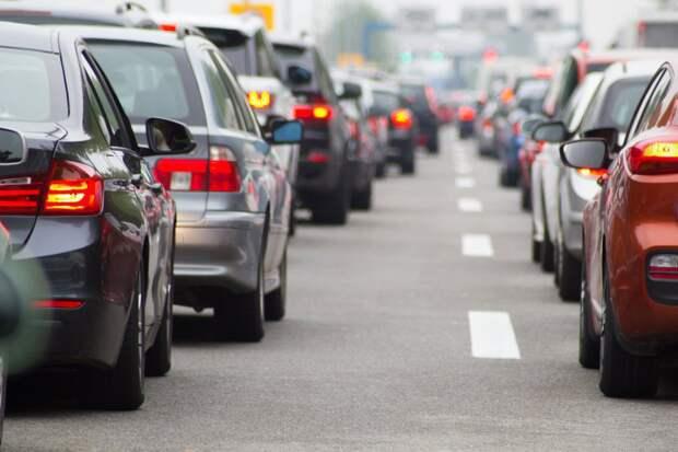 Загруженность Алтуфьевского шоссе вечером 11 июня — восемь баллов