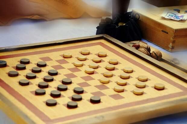 Первенство и Чемпионат Москвы по шашкам пройдут в клубе «Атом»