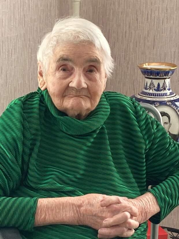 Жительница Некрасовки в 100 лет помнит дни рождения близких