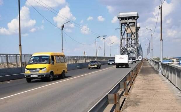 В Астрахани грузовикам могут запретить движение по Старому мосту