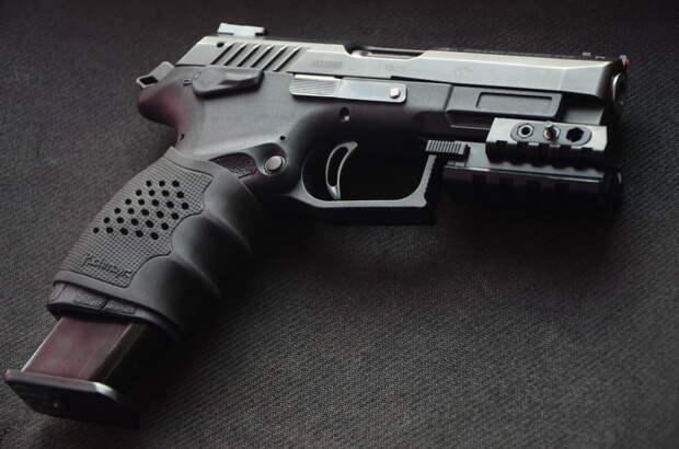 Травматический пистолет «Grand Power»