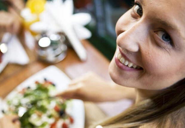 3 ошибки в еде, которые мешают многим похудеть к лету