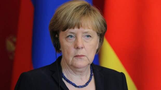 Меркель считает нападение на СССР большим позором немцев