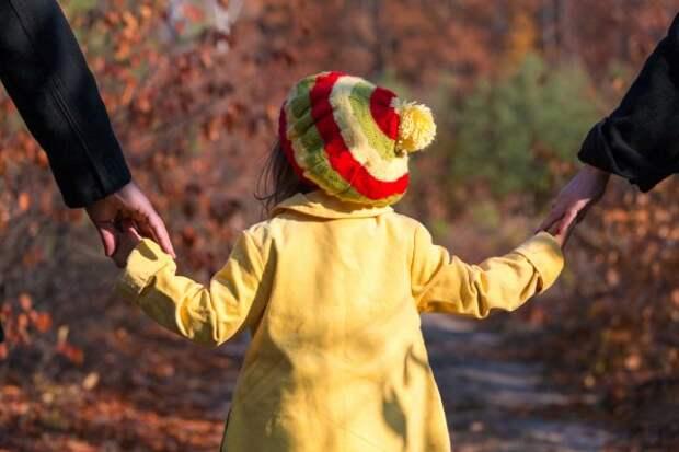 Пропавшая 4-летняя девочка нашлась через 20 лет: что произошло с ребенком на самом деле