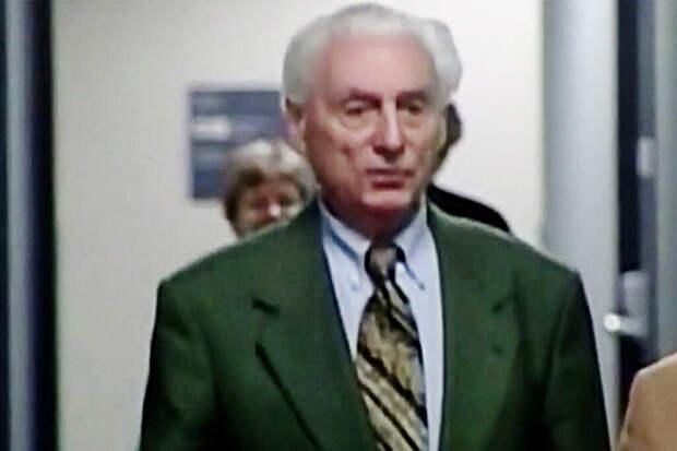 Нацистский преступник Оберлендер умер в Канаде до депортации