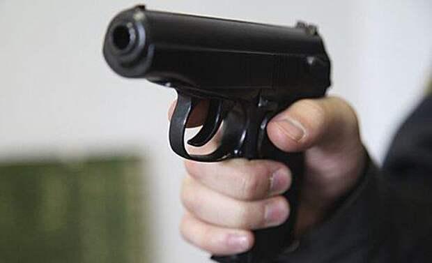 Видео с угрожающим пистолетом «полицейским» обнародовали владельцы гостиницы в Адыгее