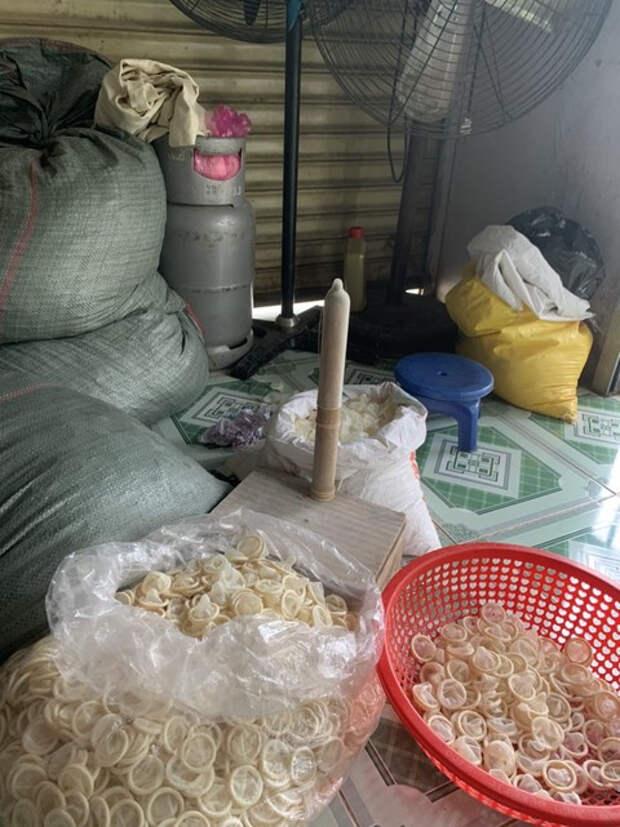 ВоВьетнаме арестованы дельцы, которые стирали использованные презервативы для продажи