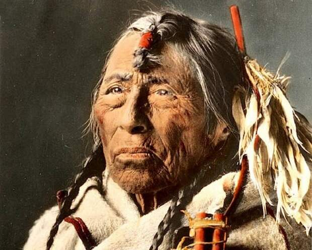 Индеец племени сиксика Стрела орла, Монтана, начало 1900-х.