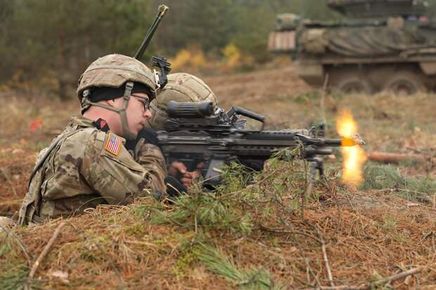 США хотят перебросить войска из Афганистана ближе к России, — Wall Street Journal