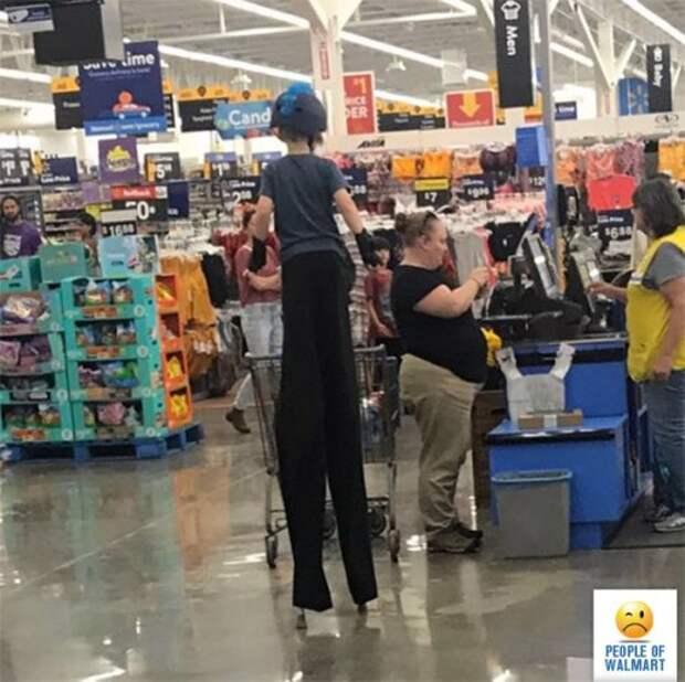 Чудаки и чудачества в Walmart (22 фото)