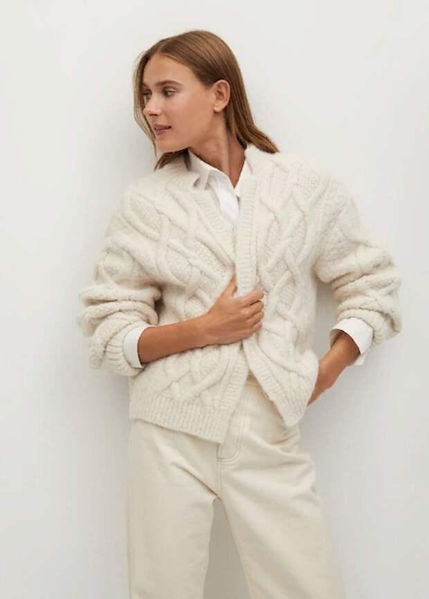 С чем в холодное время года носить рубашку: основные актуальные комбинации