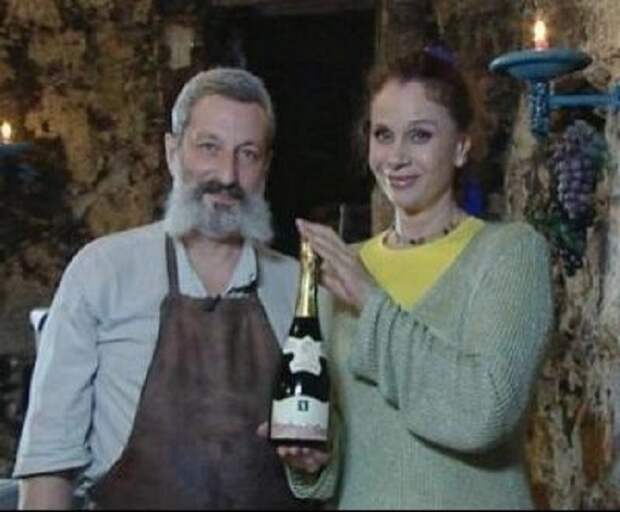 Любовь Полищук со своим вторым мужем - художником Сергеем Цигалем.   Фото: oneoflady.com.