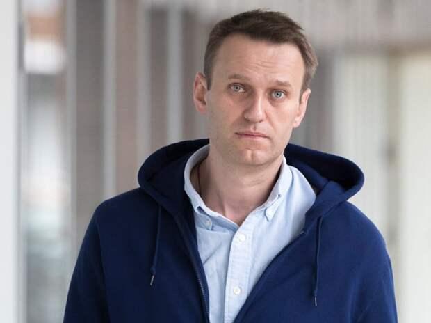 ЕС ввел санкции против России из-за отравления Навального. В Кремле дали комментарий