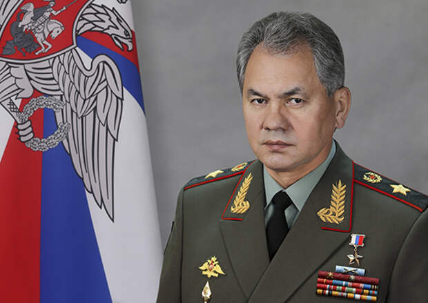 Министр обороны России поздравил выпускников военных вузов с завершением обучения